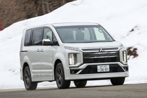 В Японии начались продажи Mitsubishi Delica D:5 в новой топ-версии