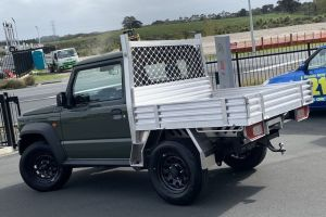 Suzuki Jimny начали продавать в модификации «бортовой грузовик»