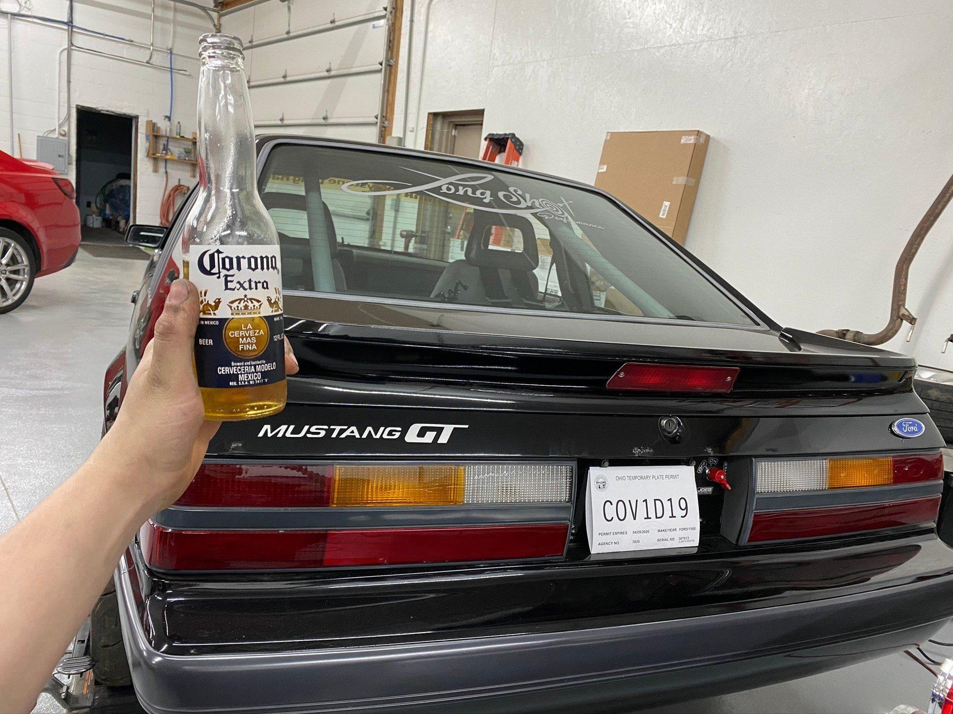 В США автомобилист оформил номер в честь коронавируса (COV1D19)