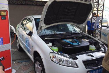 Иранский автогигант разработал собственный электромобиль (на базе старого Пежо)