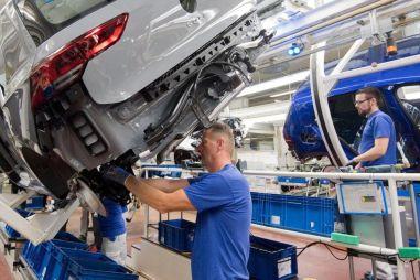 Немецкий автопром может потерять 100 000 рабочих мест из-за коронавируса