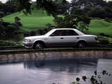 Toyota Crown 1989 отзыв автора | Дата публикации 13.12.2018.