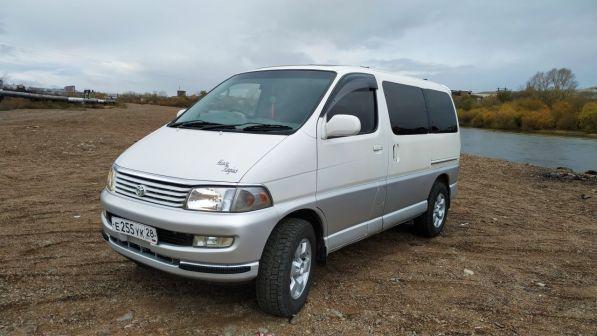 Toyota Hiace Regius 1998 - отзыв владельца