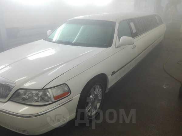 Lincoln Town Car, 2002 год, 1 000 000 руб.