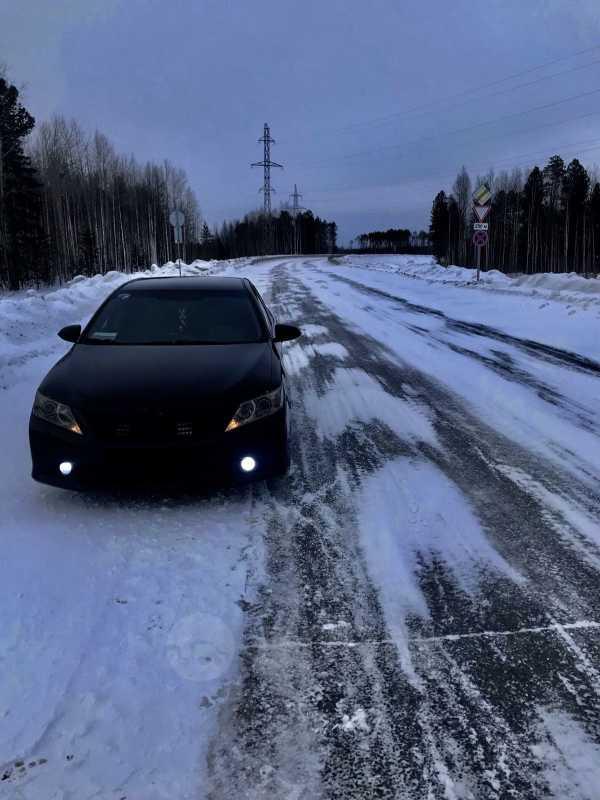 Toyota Camry, 2011 год, 1 000 000 руб.