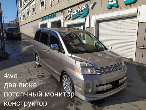 Toyota Voxy, 2007 год, 260 000 руб.