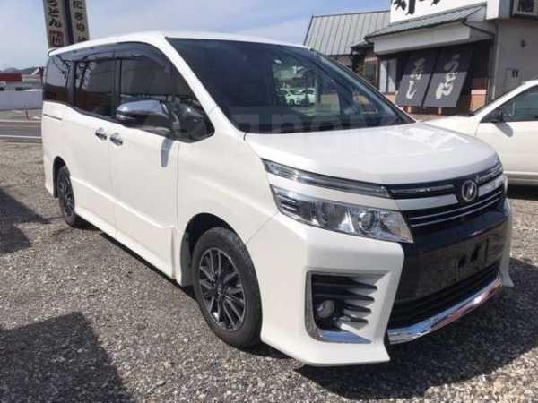 Toyota Voxy, 2016 год, 849 000 руб.