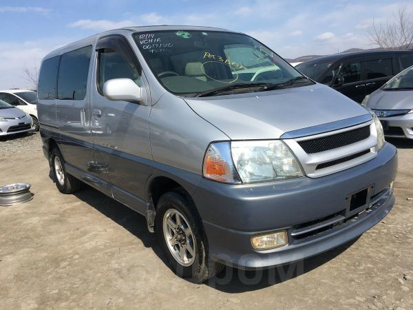 Toyota Grand Hiace, 2001 год, 290 000 руб.
