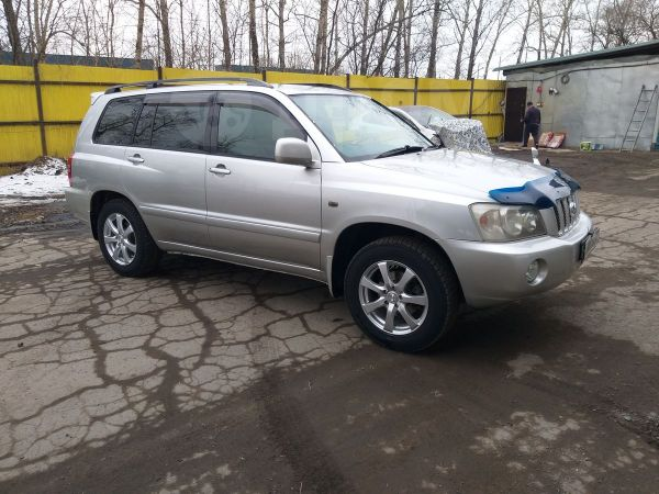 Toyota Kluger V, 2001 год, 637 000 руб.