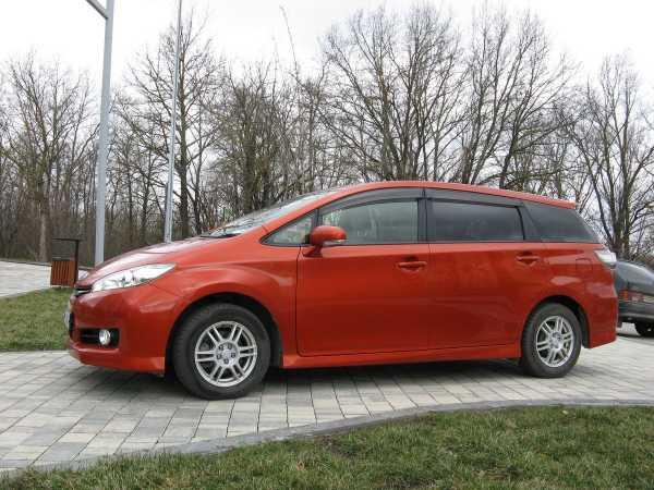 Toyota Wish, 2013 год, 950 000 руб.