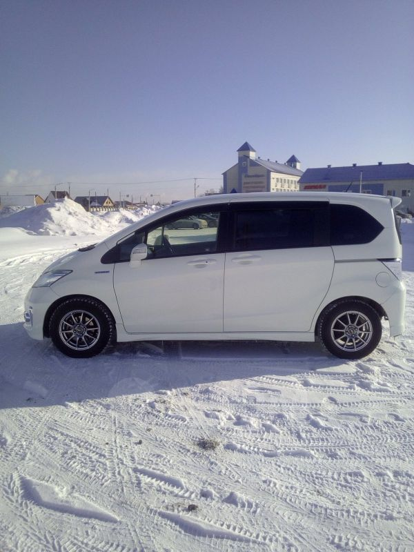 Honda Freed, 2012 год, 699 000 руб.