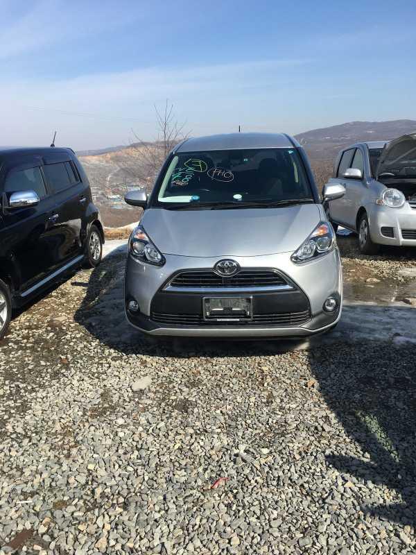 Toyota Sienta, 2016 год, 895 000 руб.