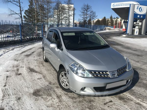 Nissan Tiida Latio, 2010 год, 360 000 руб.