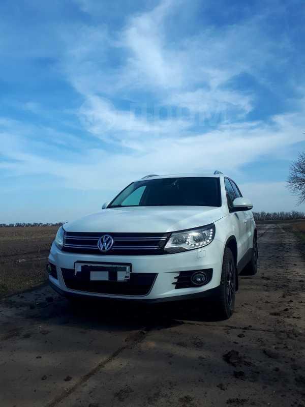 Volkswagen Tiguan, 2014 год, 700 000 руб.