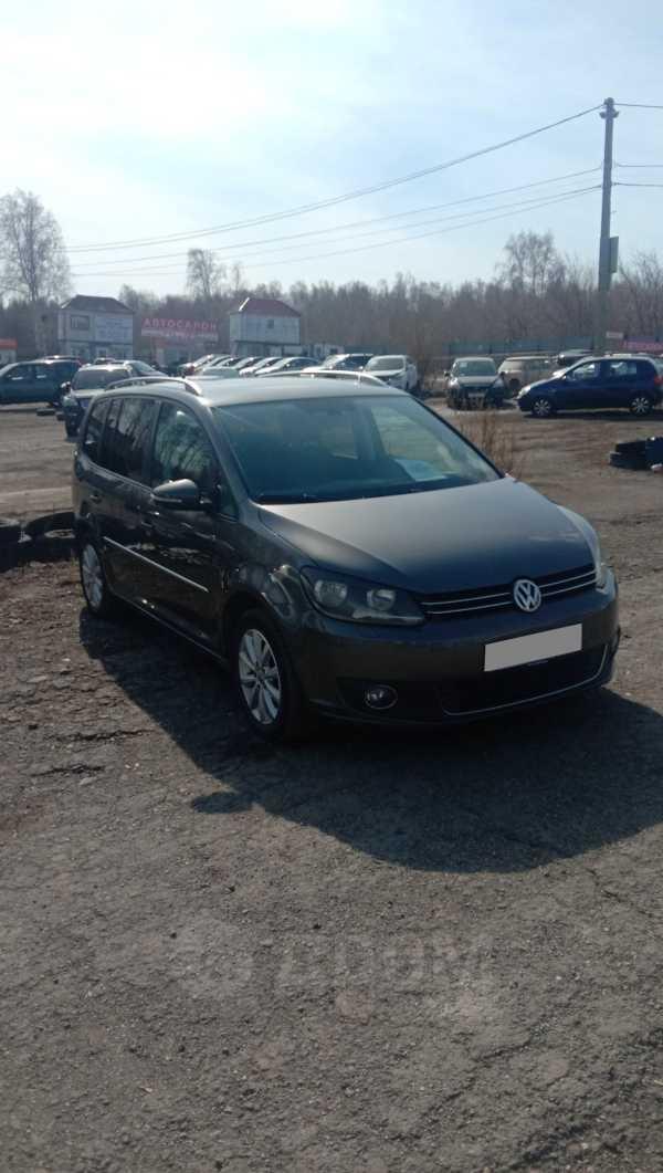 Volkswagen Touran, 2011 год, 570 000 руб.
