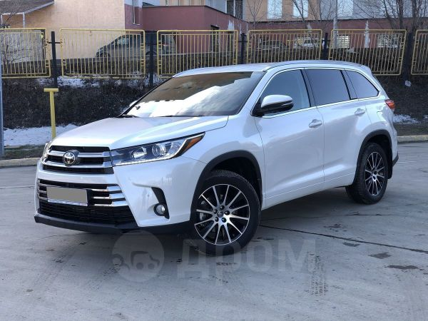 Toyota Highlander, 2018 год, 3 150 000 руб.