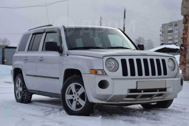 Jeep Liberty, 2009 год, 410 000 руб.