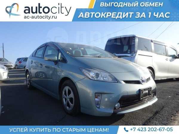 Toyota Prius, 2013 год, 880 000 руб.
