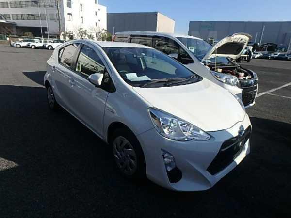 Toyota Aqua, 2015 год, 770 000 руб.