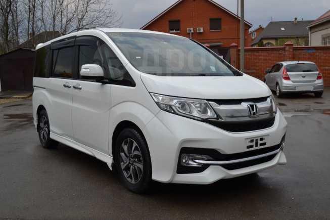 Honda Stepwgn, 2015 год, 1 330 000 руб.