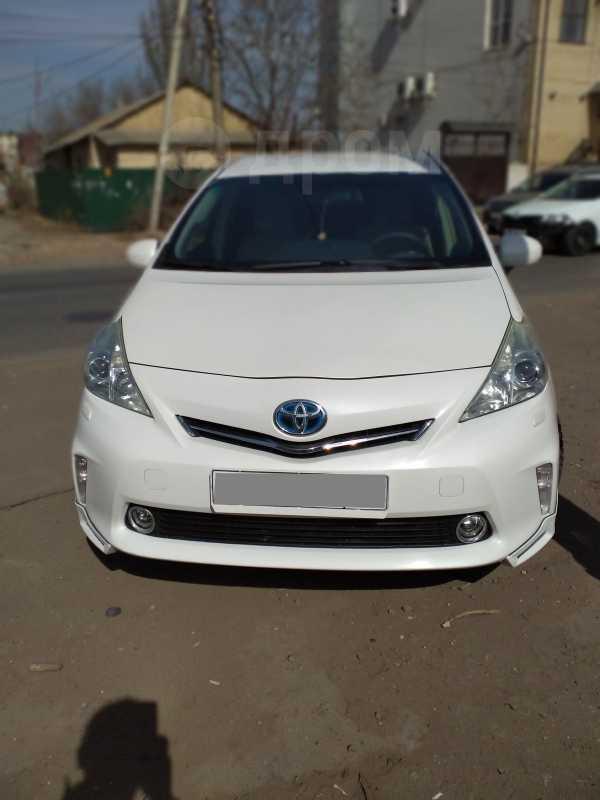 Toyota Prius v, 2013 год, 1 000 000 руб.