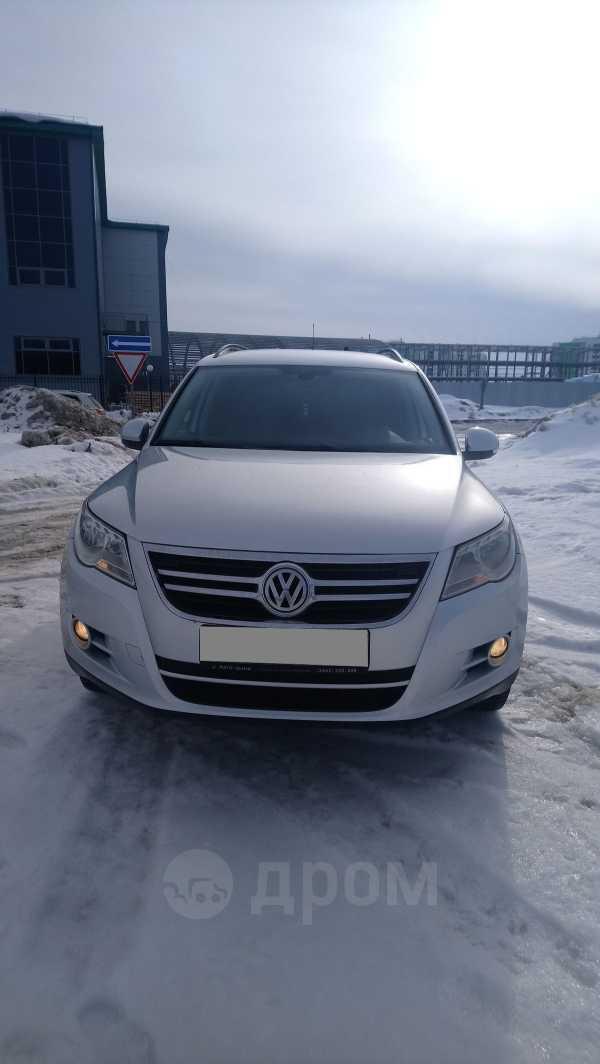 Volkswagen Tiguan, 2010 год, 585 000 руб.