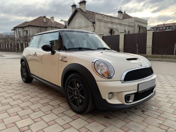Mini Hatch, 2011 год, 720 000 руб.