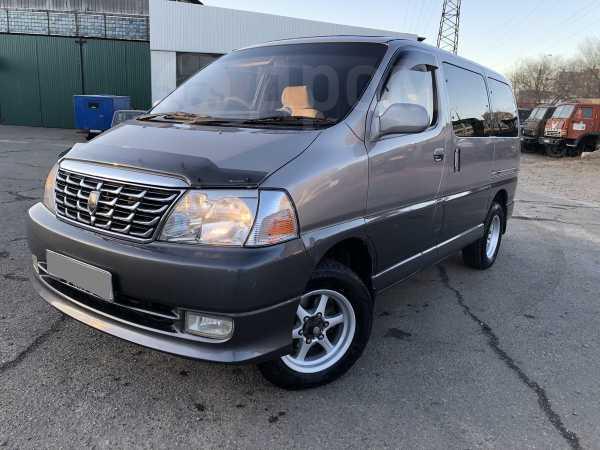 Toyota Grand Hiace, 2000 год, 635 000 руб.