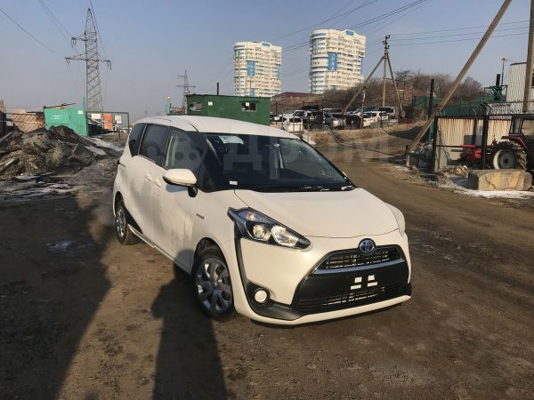 Toyota Sienta, 2015 год, 775 000 руб.