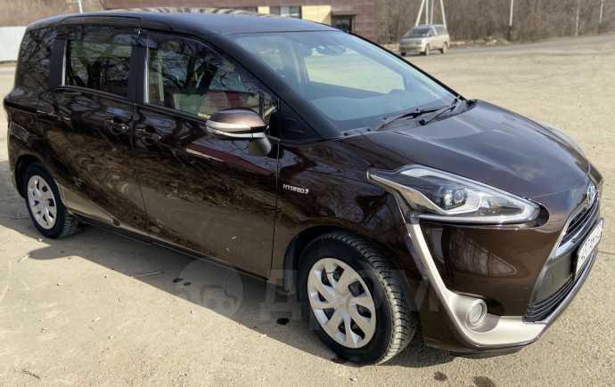 Toyota Sienta, 2016 год, 820 000 руб.