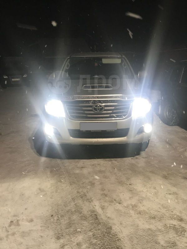 Toyota Hilux Pick Up, 2013 год, 1 125 000 руб.