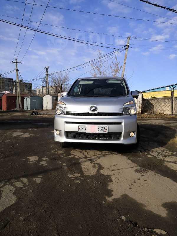Toyota Voxy, 2011 год, 980 000 руб.
