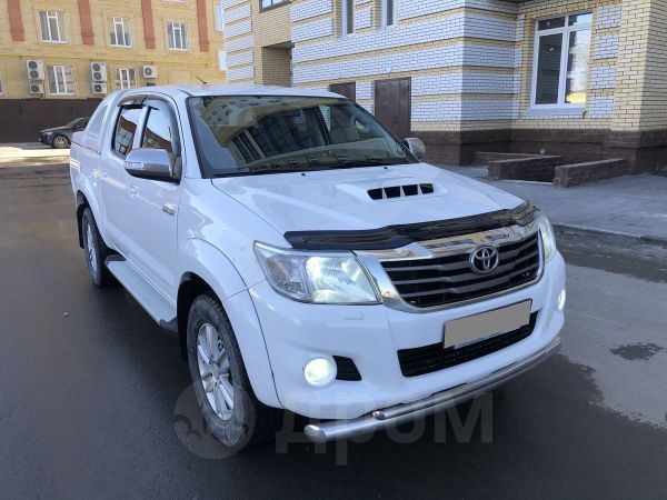Toyota Hilux Pick Up, 2012 год, 1 130 000 руб.