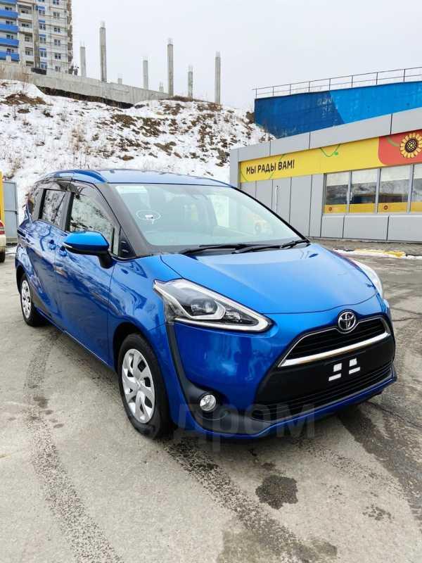 Toyota Sienta, 2017 год, 915 000 руб.