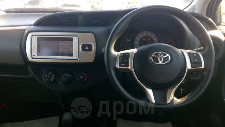 Toyota Vitz, 2015 год, 551 000 руб.