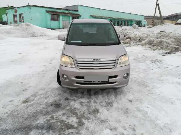 Toyota Noah, 2003 год, 490 000 руб.