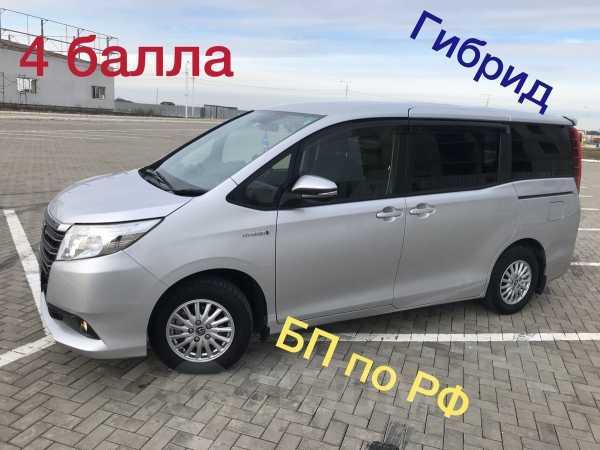 Toyota Noah, 2014 год, 1 299 000 руб.