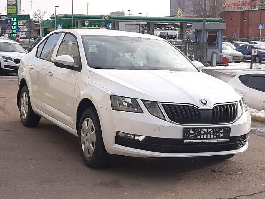 Цены на шкода октавия в автосалонах москвы автоломбард распродажа в омске