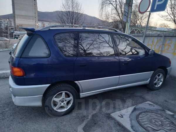 Toyota Ipsum, 1998 год, 200 000 руб.