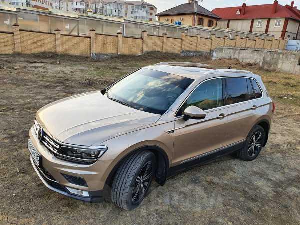 Volkswagen Tiguan, 2017 год, 1 645 000 руб.