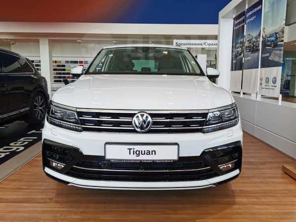 Volkswagen Tiguan, 2020 год, 3 030 000 руб.