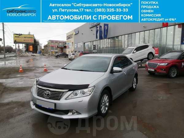 Toyota Camry, 2014 год, 925 000 руб.