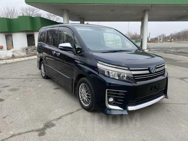 Toyota Voxy, 2016 год, 1 350 000 руб.