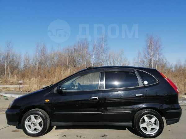 Nissan Tino, 2001 год, 297 000 руб.