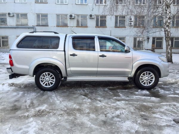 Toyota Hilux Pick Up, 2011 год, 1 277 000 руб.