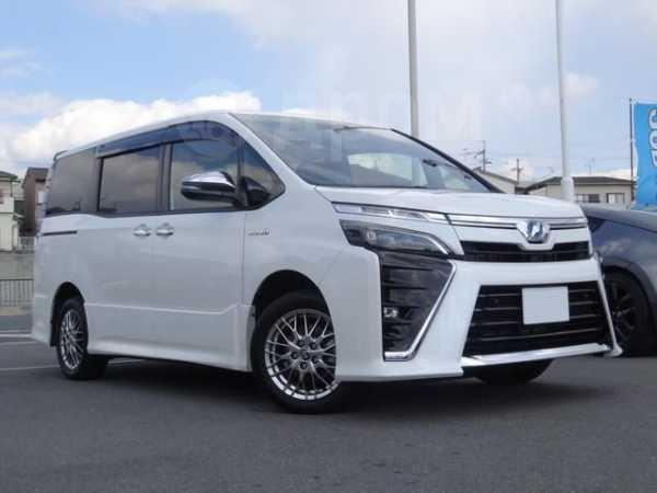 Toyota Voxy, 2019 год, 965 000 руб.