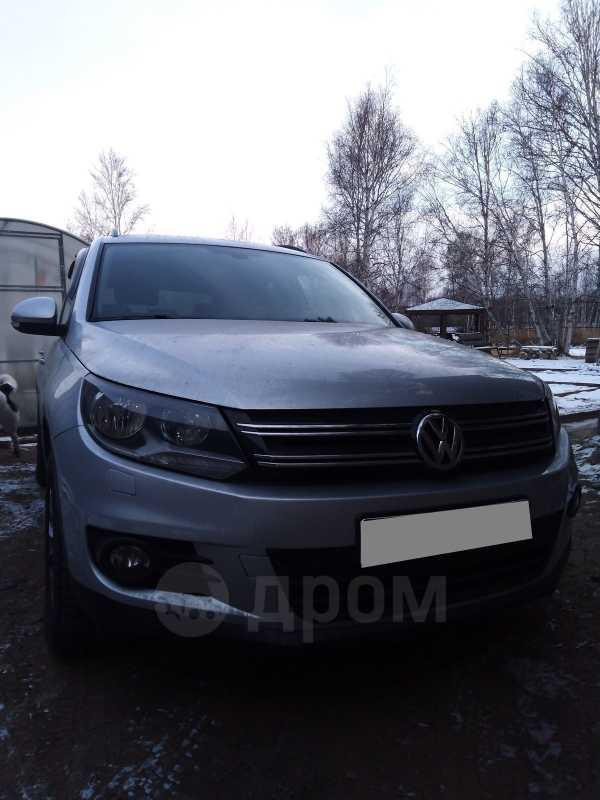 Volkswagen Tiguan, 2011 год, 737 000 руб.