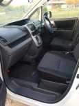 Toyota Voxy, 2008 год, 635 000 руб.