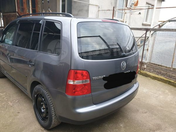 Volkswagen Touran, 2006 год, 405 000 руб.
