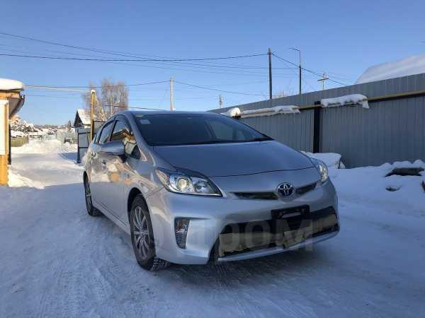 Toyota Prius, 2015 год, 945 000 руб.